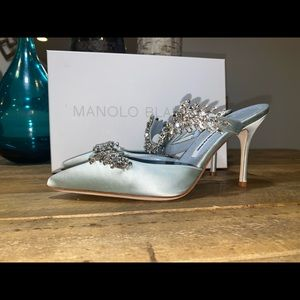 Manolo Blahnik Lurum Satin Pumps